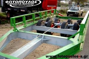 Ρυμούλκα μεταφοράς θεριζοαλωνιστικής μηχανής. Ερπυστριοφόρου μηχανήματος.